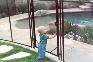Защитные ограждения бассейна
